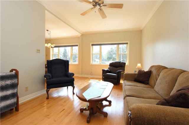 Detached at 32 Andrew St, Clarington, Ontario. Image 20