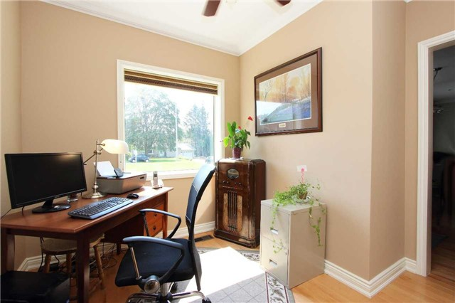 Detached at 32 Andrew St, Clarington, Ontario. Image 3