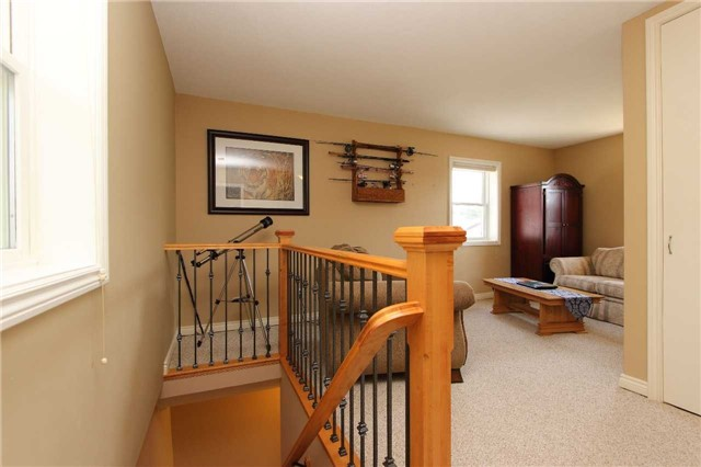 Detached at 32 Andrew St, Clarington, Ontario. Image 4