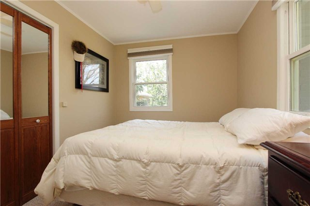 Detached at 32 Andrew St, Clarington, Ontario. Image 7