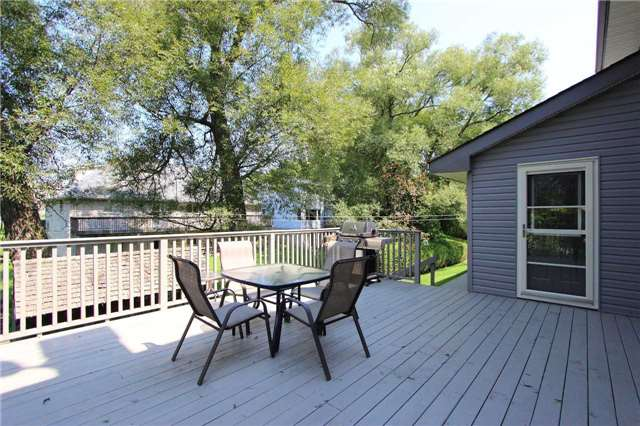 Detached at 32 Andrew St, Clarington, Ontario. Image 10