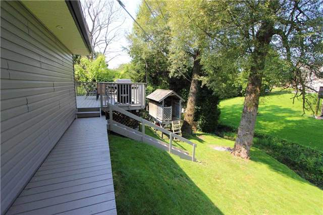 Detached at 32 Andrew St, Clarington, Ontario. Image 11