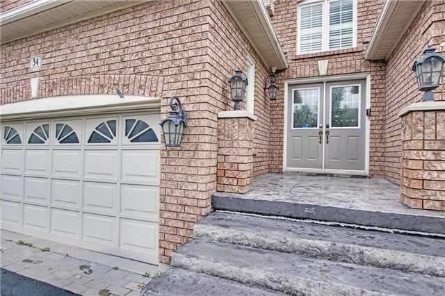 Detached at 34 Sonley Dr, Whitby, Ontario. Image 12