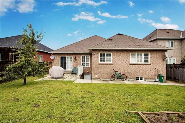 Detached at 34 Sonley Dr, Whitby, Ontario. Image 14