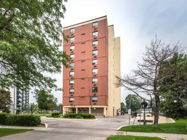 Condo Apartment at 3420 Eglinton Ave E, Unit 805, Toronto, Ontario. Image 1