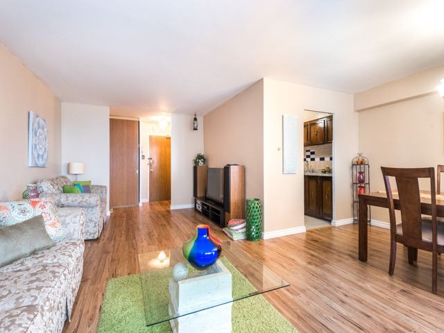 Condo Apartment at 3420 Eglinton Ave E, Unit 805, Toronto, Ontario. Image 18