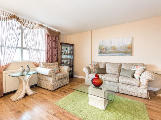 Condo Apartment at 3420 Eglinton Ave E, Unit 805, Toronto, Ontario. Image 20