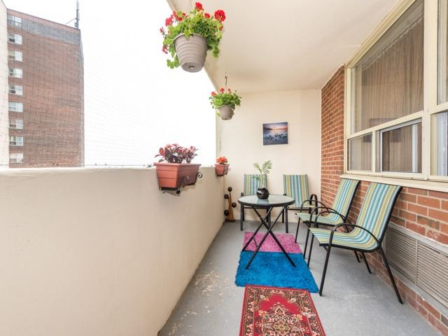 Condo Apartment at 3420 Eglinton Ave E, Unit 805, Toronto, Ontario. Image 11