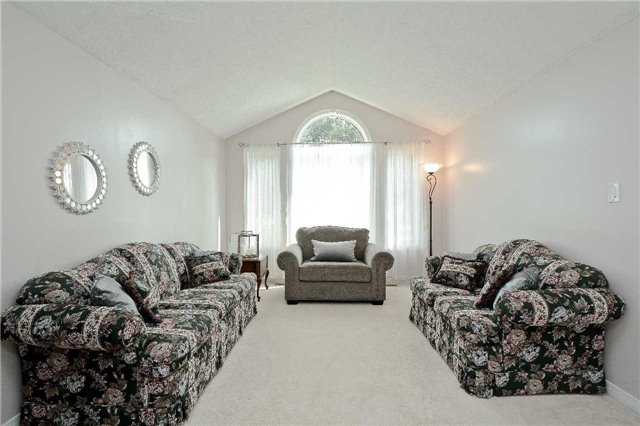 Detached at 87 Kingswood Dr, Clarington, Ontario. Image 15