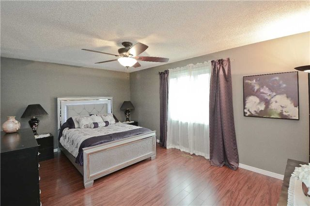 Detached at 87 Kingswood Dr, Clarington, Ontario. Image 2