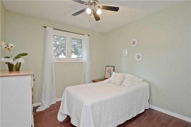 Detached at 87 Kingswood Dr, Clarington, Ontario. Image 4