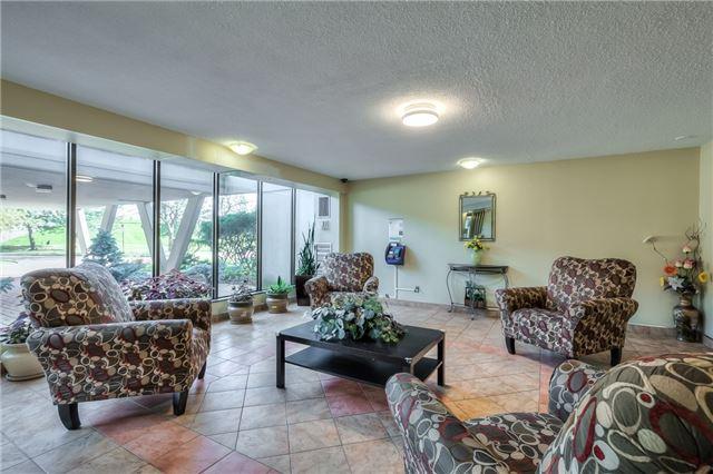 Condo Apartment at 301 Prudential Dr, Unit 912, Toronto, Ontario. Image 14