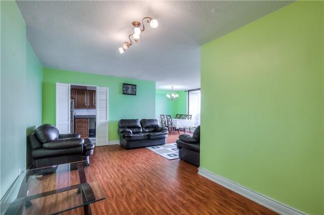 Condo Apartment at 301 Prudential Dr, Unit 912, Toronto, Ontario. Image 15