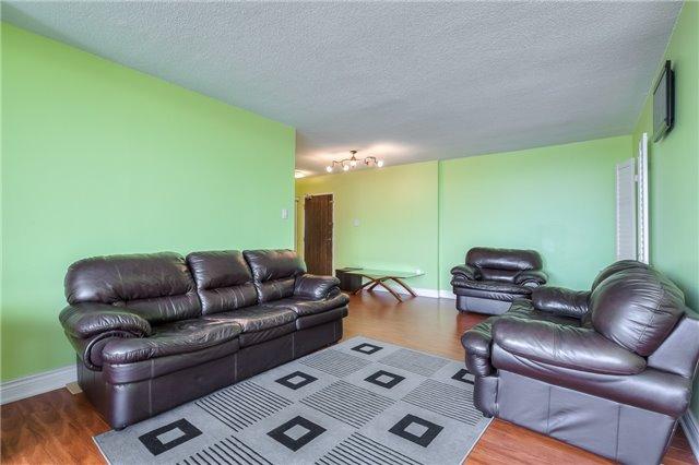 Condo Apartment at 301 Prudential Dr, Unit 912, Toronto, Ontario. Image 17