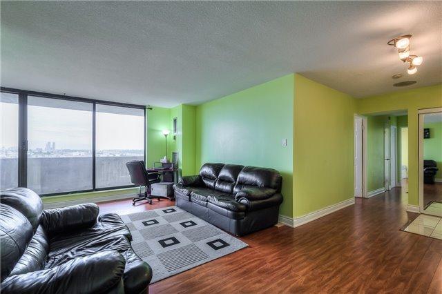 Condo Apartment at 301 Prudential Dr, Unit 912, Toronto, Ontario. Image 19