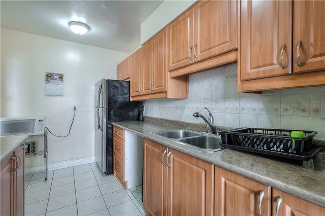 Condo Apartment at 301 Prudential Dr, Unit 912, Toronto, Ontario. Image 2