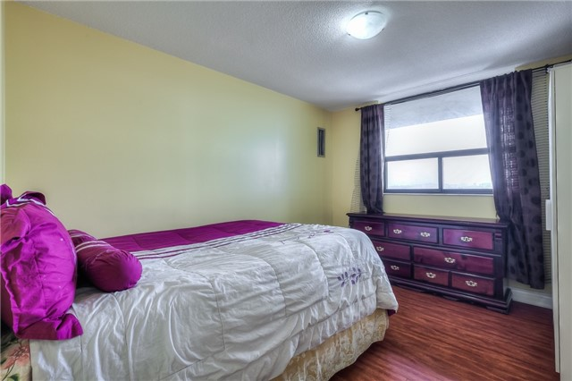 Condo Apartment at 301 Prudential Dr, Unit 912, Toronto, Ontario. Image 6