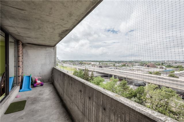 Condo Apartment at 301 Prudential Dr, Unit 912, Toronto, Ontario. Image 10