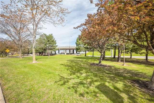 Condo Apartment at 301 Prudential Dr, Unit 912, Toronto, Ontario. Image 13