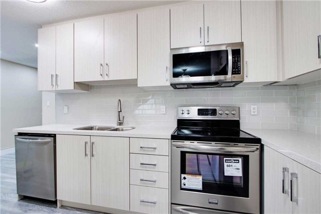 Condo Townhouse at 100 Mornelle Crt, Unit 1103, Toronto, Ontario. Image 15