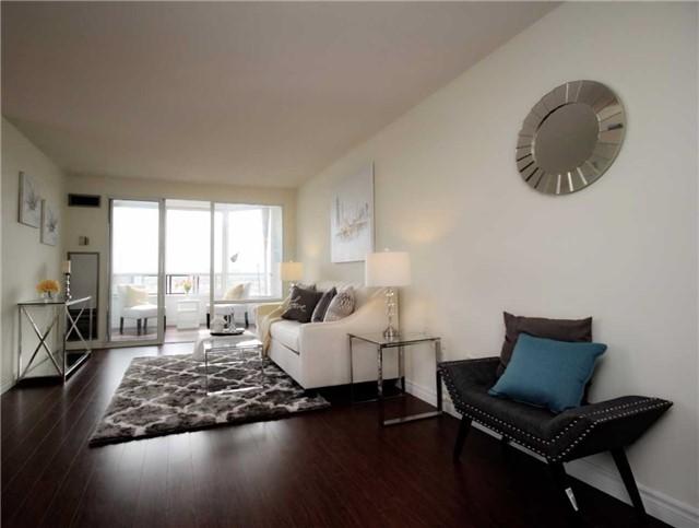Condo Apartment at 330 Alton Towers Circ, Unit 909, Toronto, Ontario. Image 15