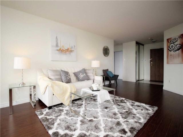 Condo Apartment at 330 Alton Towers Circ, Unit 909, Toronto, Ontario. Image 17
