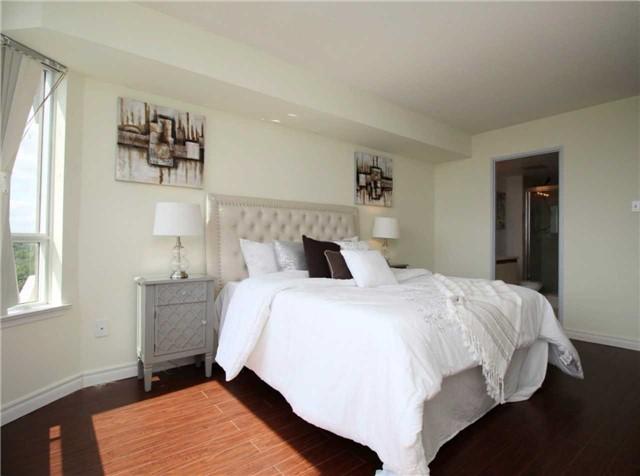 Condo Apartment at 330 Alton Towers Circ, Unit 909, Toronto, Ontario. Image 8