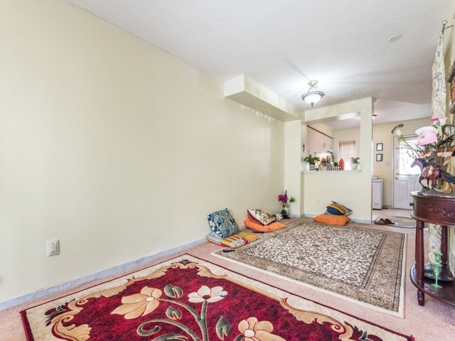 Condo Townhouse at 2 Hedge End Rd, Unit 110, Toronto, Ontario. Image 15