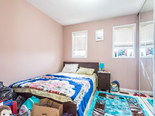 Condo Townhouse at 2 Hedge End Rd, Unit 110, Toronto, Ontario. Image 2