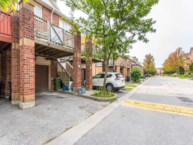 Condo Townhouse at 2 Hedge End Rd, Unit 110, Toronto, Ontario. Image 6