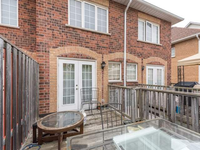 Condo Townhouse at 2 Hedge End Rd, Unit 110, Toronto, Ontario. Image 10