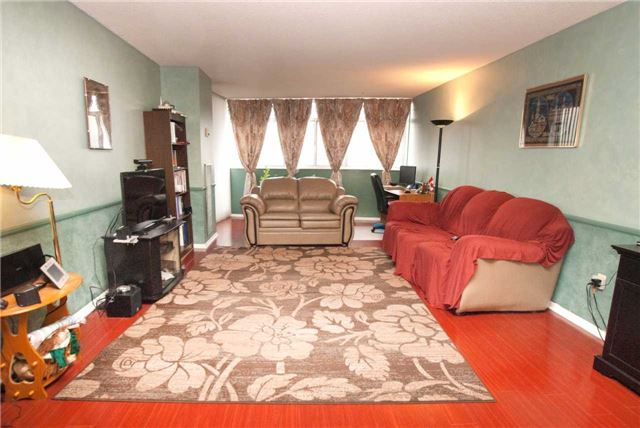 Condo Apartment at 3151 Bridletowne Circ, Unit 1403, Toronto, Ontario. Image 12