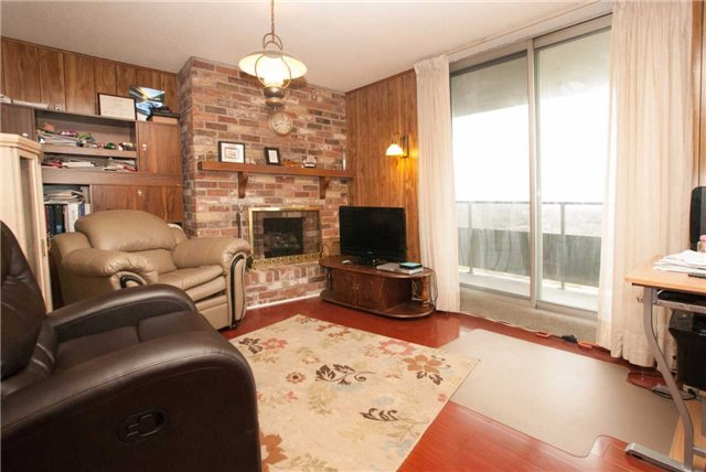 Condo Apartment at 3151 Bridletowne Circ, Unit 1403, Toronto, Ontario. Image 17