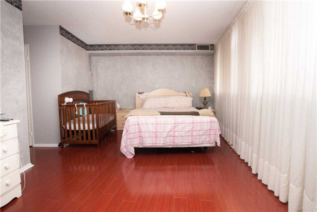 Condo Apartment at 3151 Bridletowne Circ, Unit 1403, Toronto, Ontario. Image 19