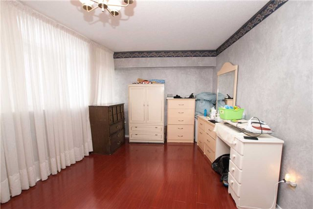 Condo Apartment at 3151 Bridletowne Circ, Unit 1403, Toronto, Ontario. Image 20