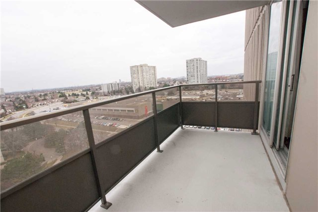 Condo Apartment at 3151 Bridletowne Circ, Unit 1403, Toronto, Ontario. Image 4