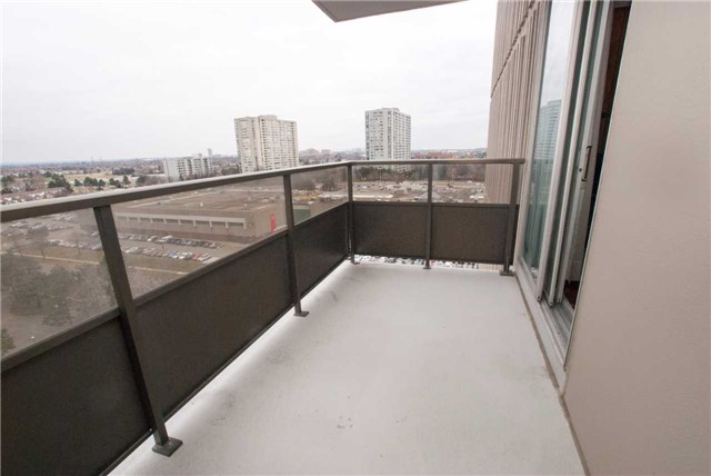 Condo Apartment at 3151 Bridletowne Circ, Unit 1403, Toronto, Ontario. Image 5