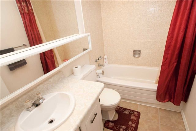 Condo Apartment at 3151 Bridletowne Circ, Unit 1403, Toronto, Ontario. Image 8
