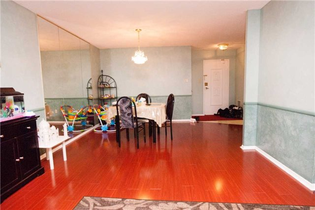 Condo Apartment at 3151 Bridletowne Circ, Unit 1403, Toronto, Ontario. Image 13