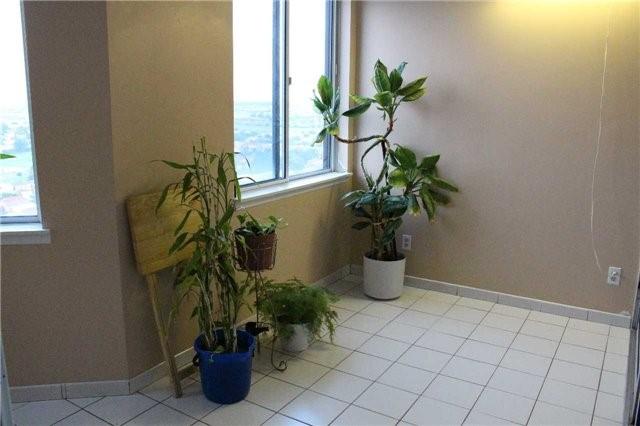 Condo Apartment at 80 Alton Towers Circ, Unit 2002, Toronto, Ontario. Image 15
