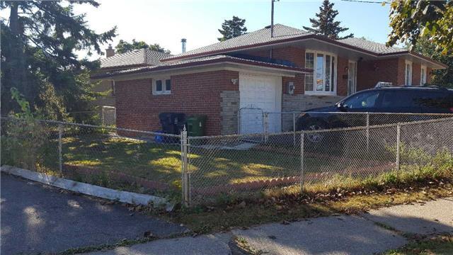 Detached at 34 Gaitwin Pl, Toronto, Ontario. Image 8