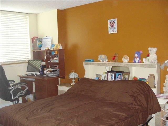 Condo Apartment at 120 Dundalk Dr, Unit 602, Toronto, Ontario. Image 4