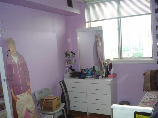 Condo Apartment at 120 Dundalk Dr, Unit 602, Toronto, Ontario. Image 8