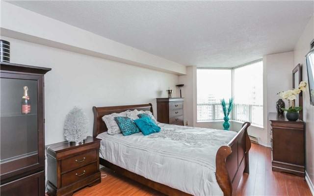 Condo Apartment at 430 Mclevin Ave, Unit 1811, Toronto, Ontario. Image 5