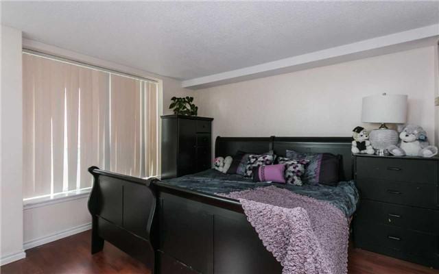 Condo Apartment at 430 Mclevin Ave, Unit 1811, Toronto, Ontario. Image 6