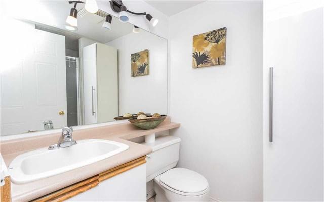 Condo Apartment at 430 Mclevin Ave, Unit 1811, Toronto, Ontario. Image 8