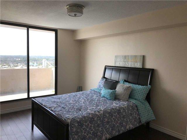 Condo Apartment at 92 Church St S, Unit Ph 9, Ajax, Ontario. Image 4