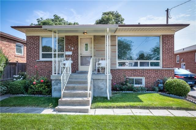 Detached at 29 Vauxhall Dr, Toronto, Ontario. Image 12