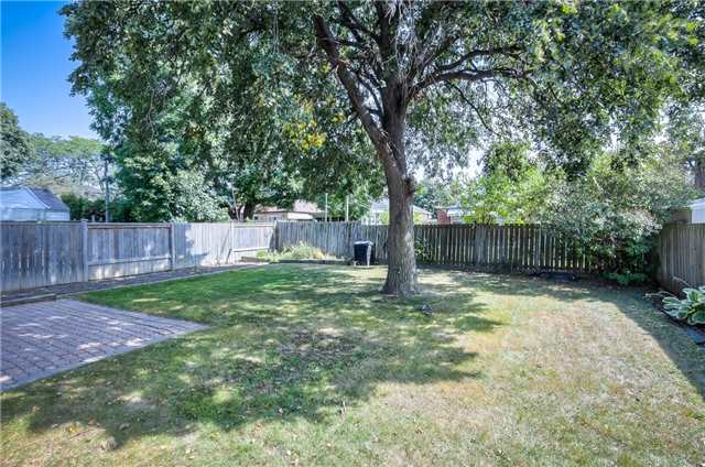 Detached at 29 Vauxhall Dr, Toronto, Ontario. Image 15