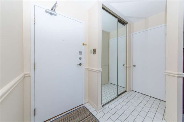 Condo Apartment at 360 Watson St W, Unit 1011, Whitby, Ontario. Image 14